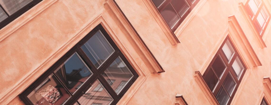 Guide – Allt din bostadsrättsförening behöver tänka på vid fönsterbyte