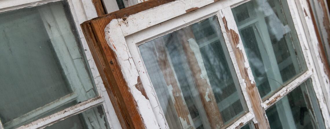 Fönsterbyte vs renovering – är det bättre att byta ut eller laga fönster i en bostadsrättsförening?